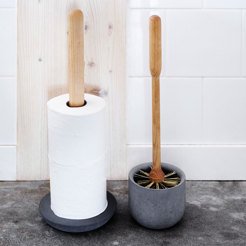 Toilet brush with concrete holder by Iris Hantverk