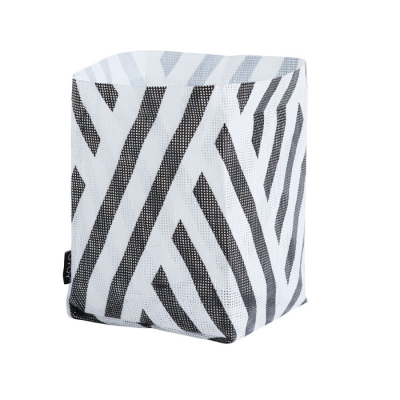 Skandivis Oyoy Living Design Hokuspokus Bag Black And White